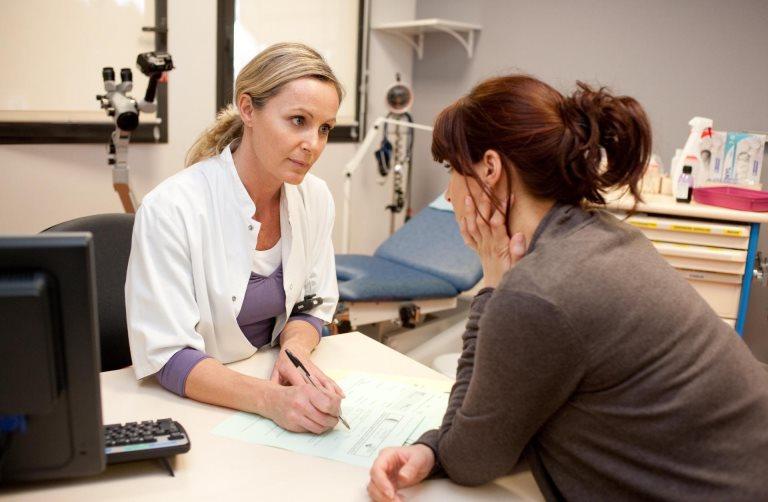 Пациент консультируется у врача по поводу атеросклероза сосудов