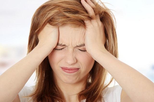 При ВСД возможны приступы мигрени