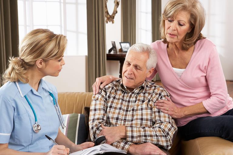 К восстановлению речи необходимо приступать в первые дни после инсульта