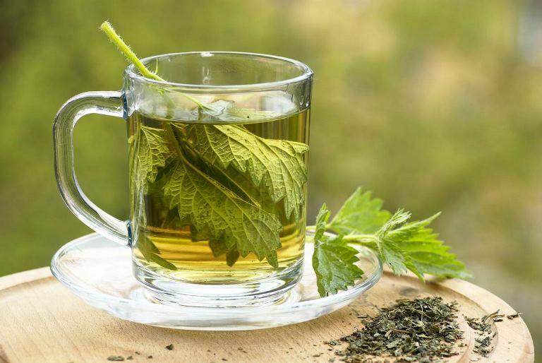Чай из лечебных трав может помочь вам справиться с инсультом