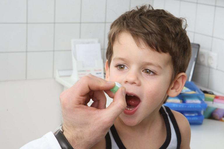 При аритмии у ребенка, самолечение может только навредить
