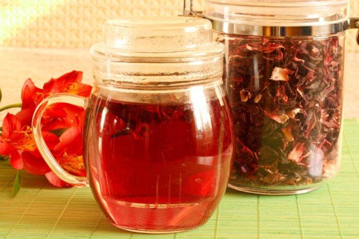 Заваренный чай каркаде от давления