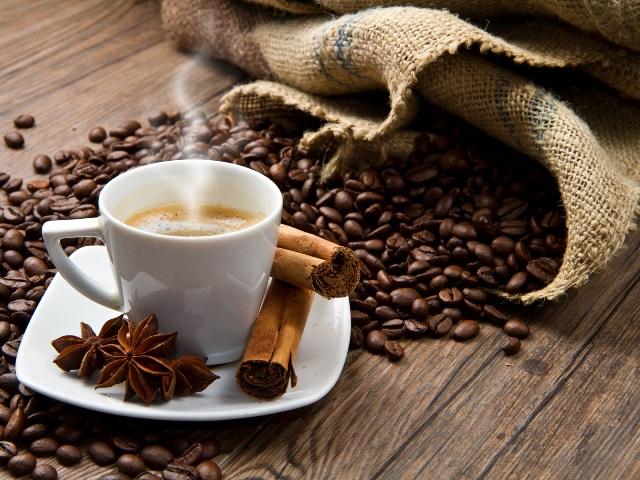 Литр кофе в день спасает от склероза
