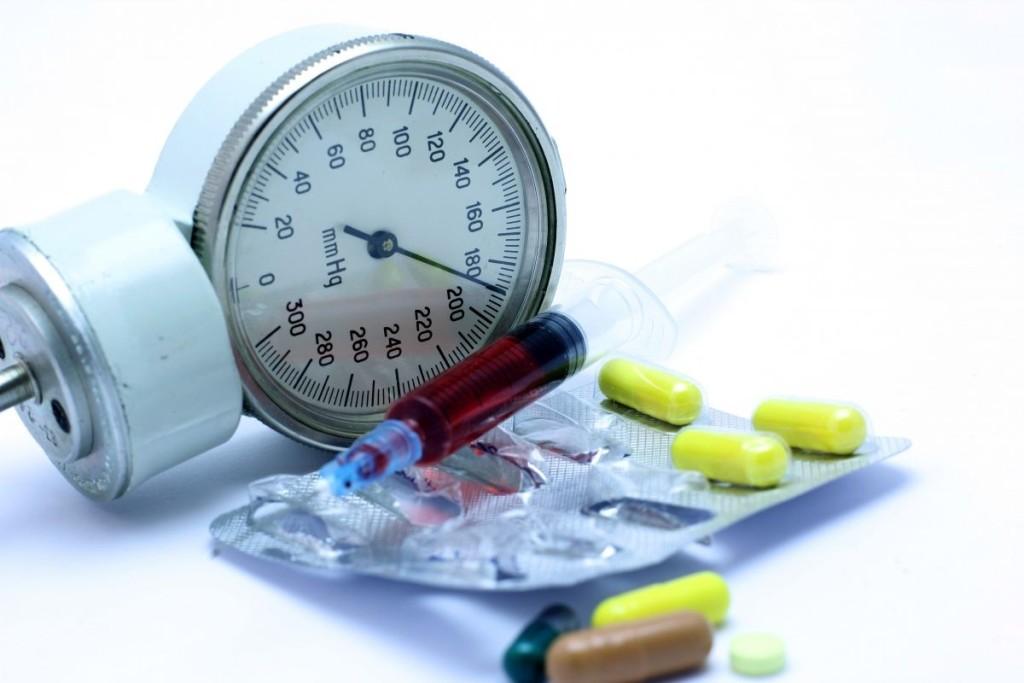 Тонометр и препараты