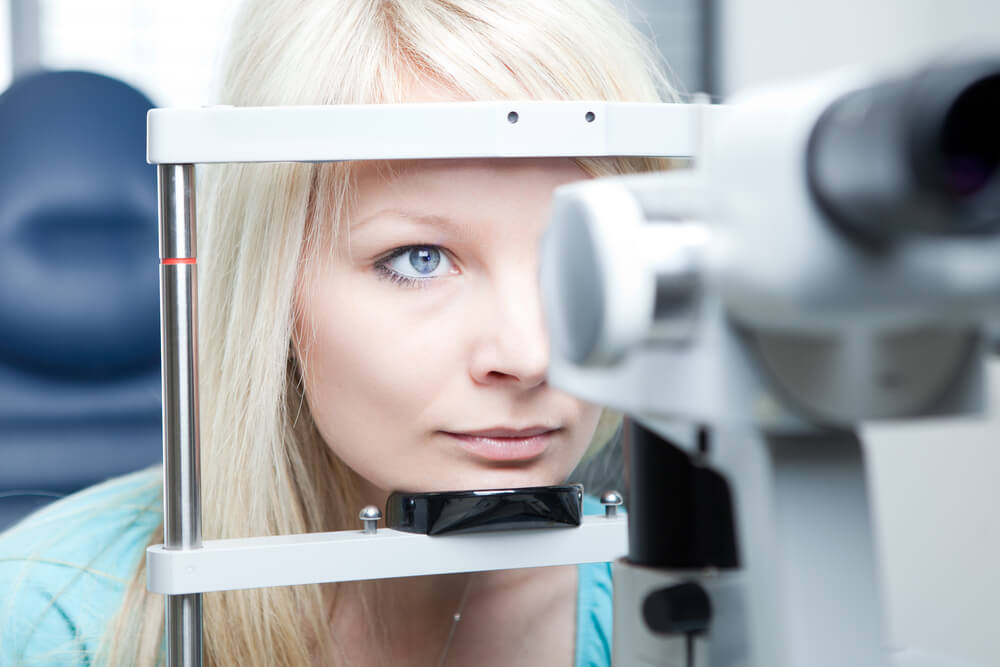На приеме у врача офтальмолога