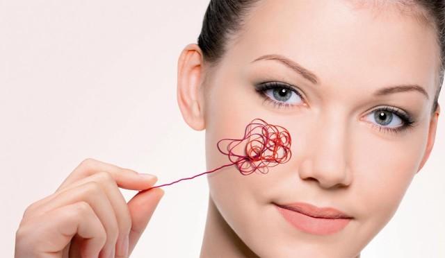 Сосудистые звездочки на лице и теле возникают на поверхности кожи под влиянием самых различных факторов