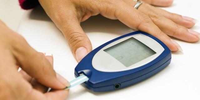 При сахарном диабете заболевание возникает по нескольким причинам