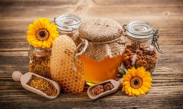 Лечение солевым раствором и прополисом