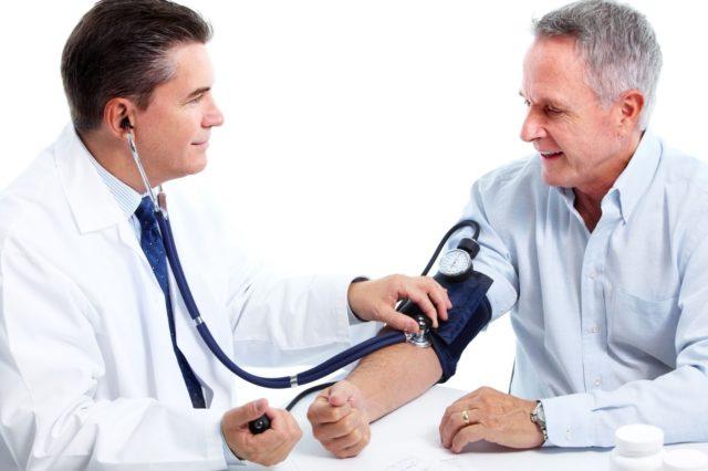 Правильно выбранное лечение гипертонии дает возможность избежать инсультов и инфарктов