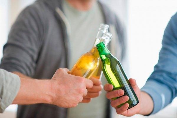 Обычно у них развивается сильное похмелье даже после употребления небольших порций спиртного