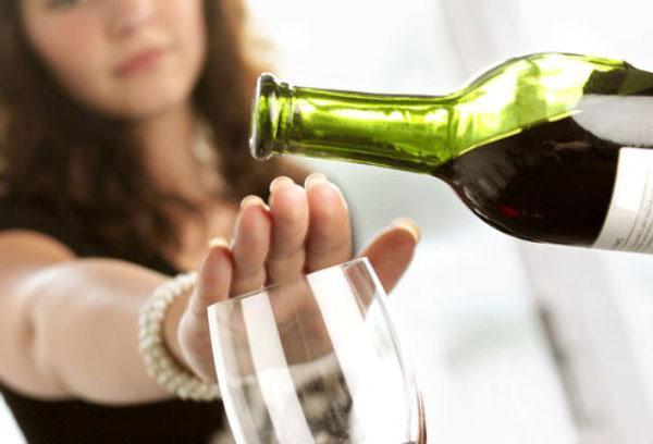 Это связано с тем, что алкоголь расширяет сосуды, позволяя тем самым снизить проявление признаков вегетососудистой дистонии