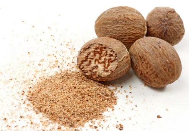 То есть, орех состоит из множества минеральных веществ и витаминов А, В, С