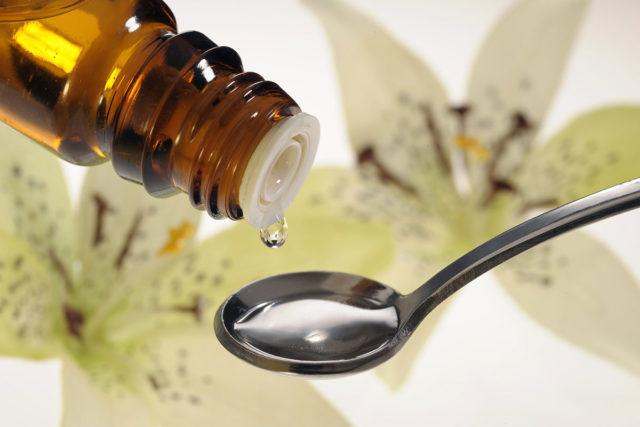 Из лекарственных средств показаны растительные транквилизаторы и антидепрессанты