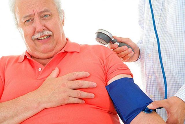 Иногда причиной резкой гипотонии становится передозировка препаратами, которые сбивают давление