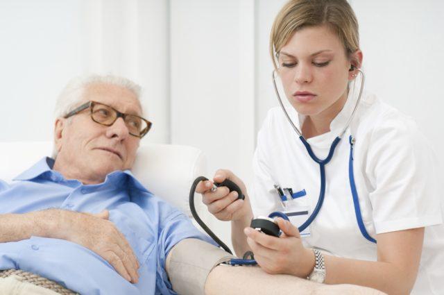 Факторы гипотонии у таких пациентов можно условно разделить на физиологические и патологические