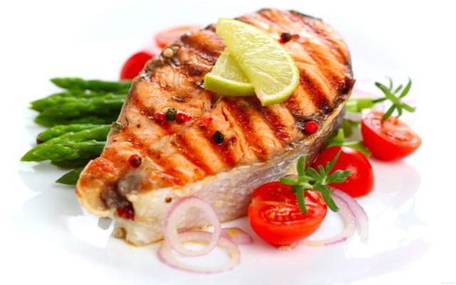 Снижение потребления жирной животной пищи подарит вам ощущение легкости, бодрости, новых сил