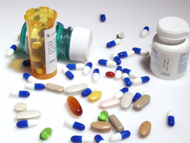 Повышенный уровень напора кровотока чаще требует назначений комбинаций препаратов из разных групп