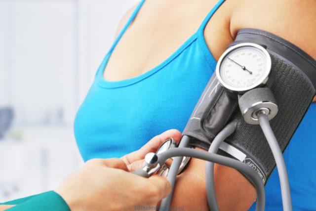 Данные значения обусловлены активностью сердечных сокращений и количеством жидкости, которую пропускает через себя сердце